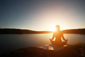 Yoga-dan-Meditasi-klinik-lelaki