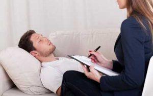 Mengatasi-Impotensi-dengan-Hipnoterapi-klinik-lelaki